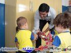 Veja as FOTOS do prefeito Júnior entregando uniformes e ovos da páscoa em FÁTIMA DO SUL