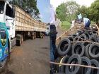 Polícia Militar Rodoviária apreende carreta com 600 pneus adquiridos no Paraguai