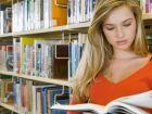 Mais escolarizadas, mulheres recebem 68% da renda dos homens