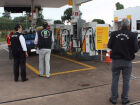 Força-tarefa em postos de combustíveis constata publicidade enganosa e produtos vencidos