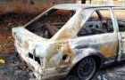Veículo é incendiado e ato pode ser criminoso em bairro no município de Glória de Dourados