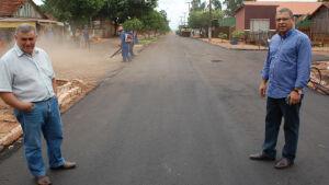 Prefeito Arilson acompanha recapeamento nas ruas do distrito Nova Esperança em Jateí