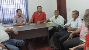 Hélio Sato reúne secretariado e determina corte nos gastos em Vicentina