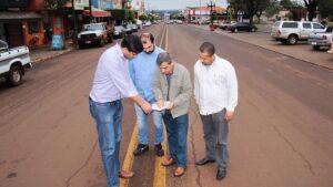 Prefeito e Engenheiro do Detran analisam projeto de revitalização da Avenida de FÁTIMA DO SUL