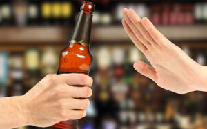 Dependência do álcool começa em casa; entenda o porquê