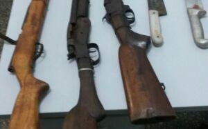 Uno quebra e pedreiro é preso com 5 armas e munições para caça ilegal em JATEÍ