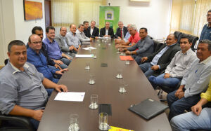 Onevan acompanha prefeito e vereadores em audiência com Reinaldo Azambuja na governadoria