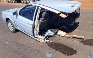 Veículo é partido ao meio após colisão na rodovia BR-158