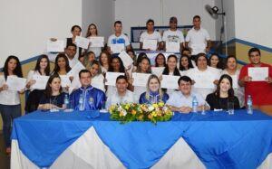 Formados 27 Operadores de Computador e 10 vendedores, prefeito participa de solenidade em Vicentina