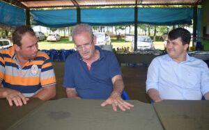 Marquinhos do Dedé recebe Geraldo Resende que garante escavadeira e caminhão para Vicentina