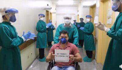 ASSISTA: Curado de Covid-19 recebe corrente de palmas e sorrisos no Hospital SIAS em Fátima do Sul