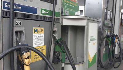 Venda direta de etanol das usinas para postos pode aumentar concorrência, diz Bolsonaro