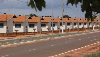 Agehab notifica moradores por irregularidade contratual em Deodápolis e Glória de Dourados