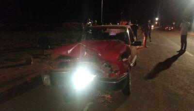 Acidente entre carro e moto deixa uma pessoa morta em Laguna Carapã