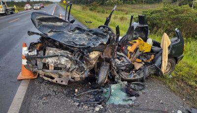 Motorista bêbado atinge carro e mata 4 adultos e uma criança