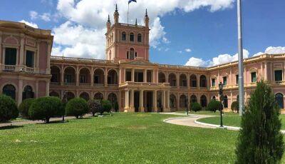 Quais são algumas cidades com cassinos para se visitar no Paraguai?