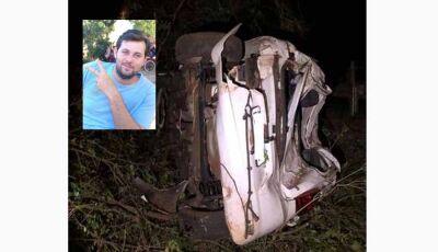 Carro capota, bate em árvores e homem de 29 anos morre em Deodápolis
