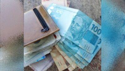 Cortador de cana acha carteira com R$ 8 mil e devolve ao dono, em Goiás