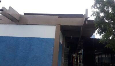 VICENTINA: Vendaval causa estragos em Escola e residências no Distrito de Vila Rica, VEJA FOTOS