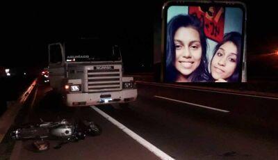 Jovem morre e irmã fica ferida em colisão entre moto e carreta em Dourados