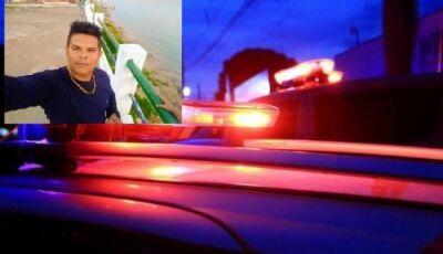 Jornalista que trabalhava na campanha de prefeito reeleito é assassinado dentro do carro