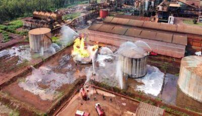 Tanque com etanol pega fogo em usina e trabalhador está desaparecido
