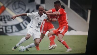 """Santos com 11 desfalques (Covid - 19) vence o Internacional com base """"molecada"""" por 2x0"""