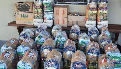 'Repartindo o Pão', um projeto social que distribui 70 cestas básicas todos os meses e é de Jateí
