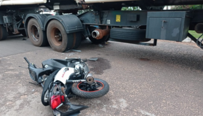 Jovem morre após colidir na lateral de carreta durante conversão em Navirai