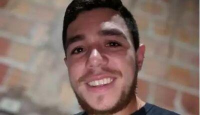 Jovem cochila ao volante, bate carro em árvore e morre em Campo Grande