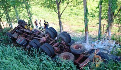 TRAGÉDIA: Duas pessoas morrem em acidente na BR-376 em Ivinhema, ASSISTA A REPORTAGEM
