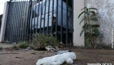 Nervosa com fuga de cachorro, mulher infarta e morre no meio da rua