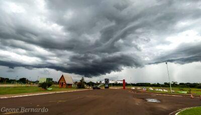 Chuva com rajadas de ventos de até 60 km/h é a previsão em algumas regiões para o fim de semana
