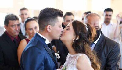 Jovem com câncer morre 10 dias após realizar sonho de se casar; 'O amor verdadeiro existe', diz irmã