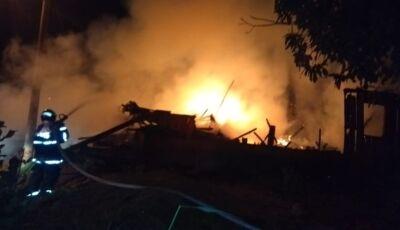 Em 'noite de terror', casas e carros são incendiados em Ivinhema