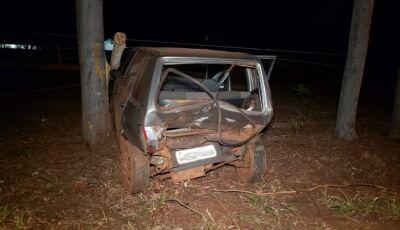 Acidente deixa veículo destruído e 02 crianças feridas em Ivinhema