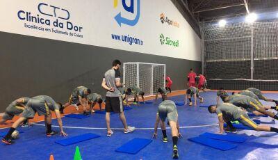 Egresso da UNIGRAN realiza sonho e atua como fisioterapeuta esportivo em time de Dourados