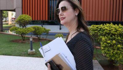 Mara Caseiro solicita veículo para transporte de pacientes de Pedro Gomes que realizam hemodiálise