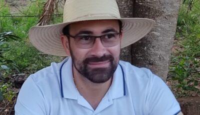 Ainda sem acreditar, amigos se despedem de Thiago e família informa horário do velório em Vicentina