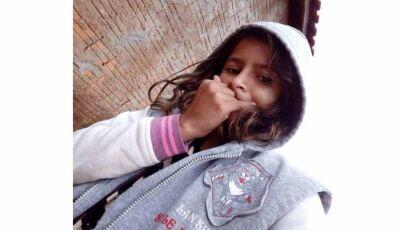 Bandidos invadem casa atirando e  matam garota de 13 anos