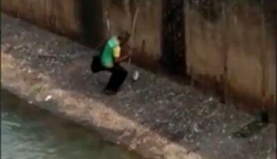 """Vídeo: """"Peixe de bosteiro"""", morador de rua engana população de Paranaíba"""