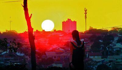 Onda de calor e umidade abaixo de 12% acende o sinal de alerta