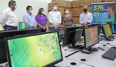 Com investimento de R$ 4,8 milhões, Governo inicia entrega de computadores às escolas do MS