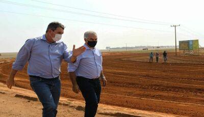Em Chapadão do Sul, governador autoriza obras em rodovias mais de 1,2 mil km de novas estradas