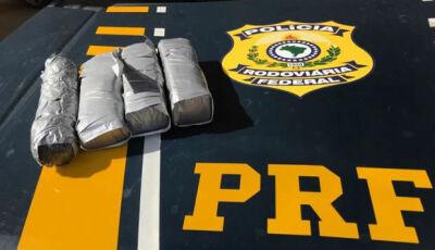 Polícia encontra cocaína com casal em veículo adaptado