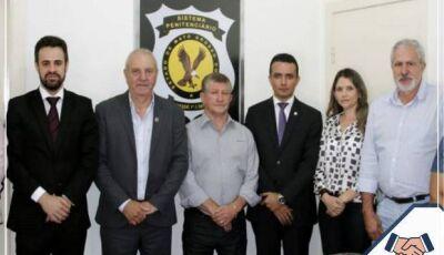 Prefeitura em parceria com a Agepen discute ações de reinserção para detentas em Jateí