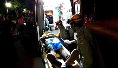 Irmãos ficam feridos após veículo invadir pista e colidir em motocicleta em Vicentina