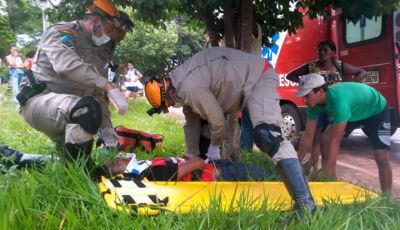 VICENTINA: Jovem perde controle de motocicleta e sofre queda no distrito de Vila Rica