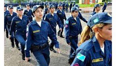 Reinaldo Azambuja assina decreto de concurso da PM e do Corpo de Bombeiros