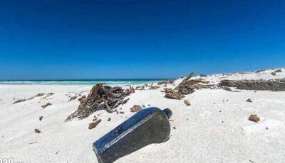 Mensagem de 132 anos atrás é achada em garrafa de gim em praia na Austrália